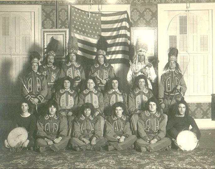 http://www.phoenixmasonry.org/masonicmuseum/fraternalism/images/red_men_tribe_photo.jpg